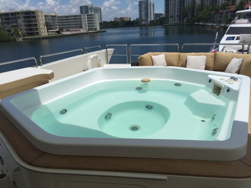 yacht spa hot tub jacuzzi